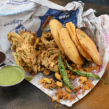 Mixed Bhajiya Plate